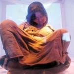 Walter Echazu -  05-09-07------ Primer dia de exposicion de la momia en el  museo de Alta Montaña MAM .-